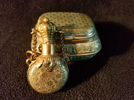 Lot of two Antique 19th Century French Gold gilded Snuff Box and snuff bottle