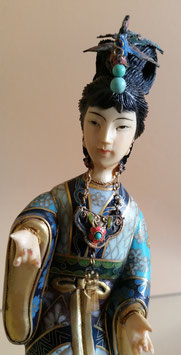 Cloisonné Geisha Statue, Cloisonné And bone Figurine, Asian art, Japanese women, Chinese Enamel Lady Sword Turquoise Bead Figure
