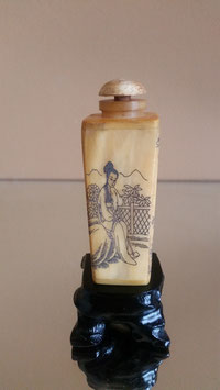 Oriental Vintage Chinese - Carved Old Bone Snuff Bottle Chinese Bone Snuff Bottle,Hand Carved Bovine Snuff Bottle