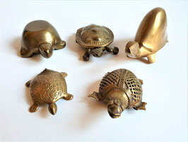 Vintage Lot of five Italian Brass Turtles, Turtle figurines collection