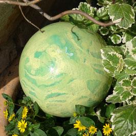 Gartenkugel in gelbgrün/grün