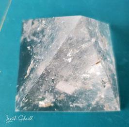 Pirámide En Cuarzo Blanco 5.7 cm