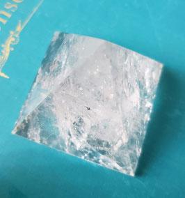 Pirámide de sanacion en Cuarzo Blanco de 5 cm