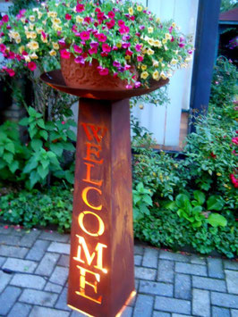 "Colonna Piramidale ""Welcome"""