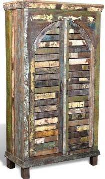 Armadio multicolore in legno ricilato con 3 scaffali e 2 ante