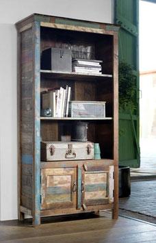 Libreria multicolore in legno riciclato con 3 scaffali e 2 ante
