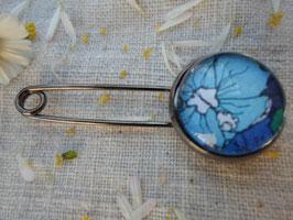 """Broche épingle, 16 mm , """" le cœur d'une fleur bleue"""""""