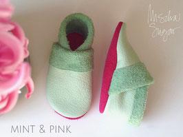 "Krabbelschuhe ""BASIC"" in mint, Sohle pink"