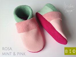 "Krabbelschuhe ""BASIC"" in rosa, Sohle pink, Ferse mint"