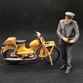 Figurendesign Bauer   Geldbote mit Moped BRD 1960 1:32