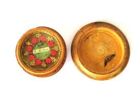 Alte Reliquie um ca 1890 in Holzdose mit Deckelschraubverschluss