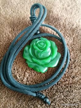 Jadeanhänger  Rose Durchrmesser 3,8 cm