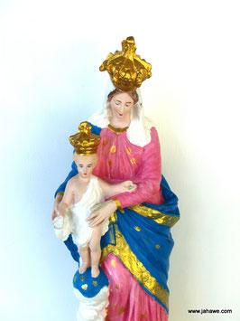 Madonnastatue mit Kind aus der ersten Hälfte des 20 zigsten Jahrhundert , allerdings wurde der Figur ein neuer Anstrich gegeben