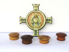 Altes Kreuz aus Metall dünn ohne die 4 Döschen