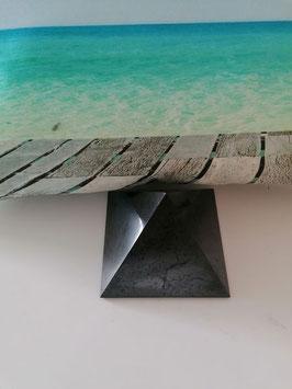 Shungitpyramide 10 x 10 cm