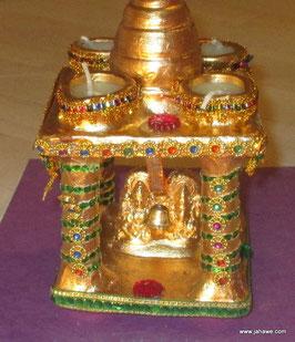 Kleiner sehr schöner  Hindu Tempel mit Maha Lakshmi und Ganesha