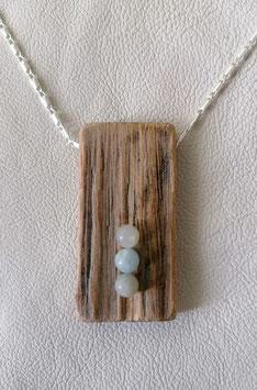 Holzanhänger mit 3 Beryllkugeln bläulich Nr.1