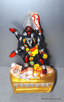 Maha Kali aus Ton Goldsockel