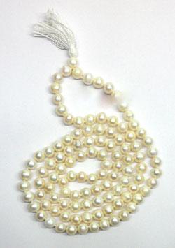 wunderschöne Mala aus Moti Perlen. aus Indien.