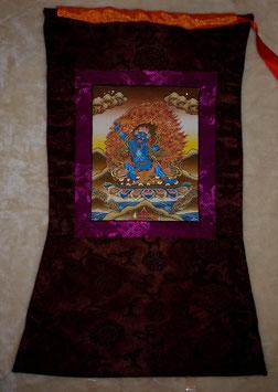 Thangka Vadshrapani Bild in braun roter Farbe und brauner Umrandung, Violettumrandung des Bildes