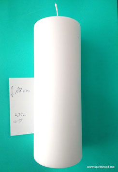 Schutzkerze in  18cm hoch und 6,7 cm breit