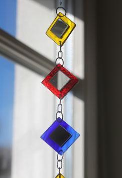 Quadratkette aus Buntglas