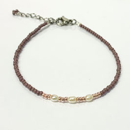 Armband mit Süßwasserperlen lila