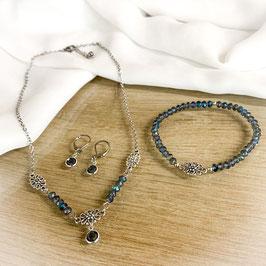 Trachtenkette Blumen mit blauen Glasperlen