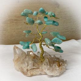Edelstein Bäumchen Amazonit auf Bergkristall