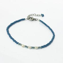 Armband mit Süßwasserperlen blau