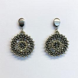 Bezaubernde Ohrringe Seed Beads Grau