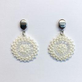 Bezaubernde Ohrringe Seed Beads Weiß