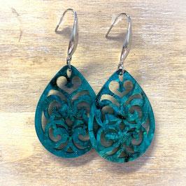 Ornament Ohrringe aus Kunstharz - Tropfen