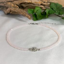 Kropfkette mit Blume Zart-Rosa