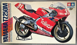 Maqueta de moto YAMAHA TZ 250M