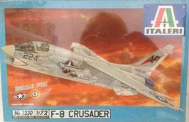 F - 8  CRUSADER  (italeri)