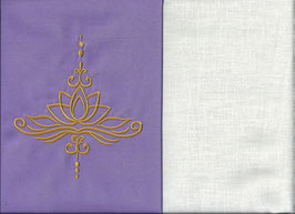 Lotusblüte Flieder + Creme