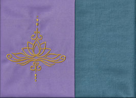 Lotusblüte Flieder + Schwedenblau