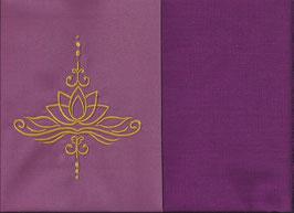 Lotusblüte Altrosa + Beere