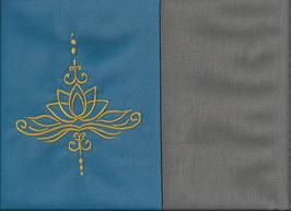 Lotusblüte Blau + Steingrau