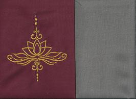 Lotusblüte Bordeaux + Steingrau