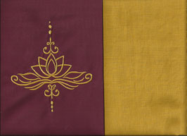 Lotusblüte Bordeaux + Ockergelb