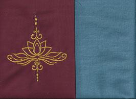 Lotusblüte Bordeaux + Schwedenblau