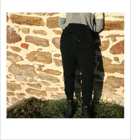 Pantalon RECYCLÉ étroit 'noir' pour FEMME