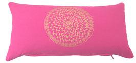"""Om Ranki"" pink Designer Yoga-Universal-Genie Kissen"
