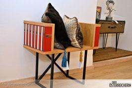 Lexikon rot – Stuhl des Wissens