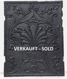 "Florales Dekor """"1727"""" Stirnplatte eines Ofens - Floral pattern """"1727"""" - frontal stove plate"