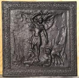 ID 221  Der Erzengel Michael im Kampf mit dem Teufel in Gestalt eines Drachen - The Archangel Michael fighting against the Devil