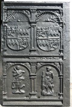 ID 107 - Wappen von Blankenheim und Manderscheidt - Justitia - Allegorie der Stärke - Coat of arms of Blankenheim and Maderscheidt - Justitia - Allegory of strength