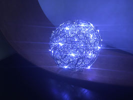 Dekokugel 12cm mit 50 LED Lichterkette